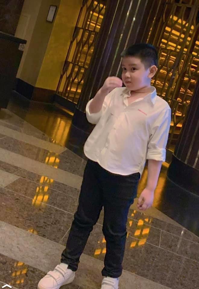 Con trai MC Quỳnh Chi và chồng cũ đại gia bảnh bao tuổi lên 9-3