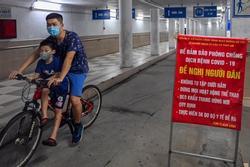 Người dân xuống hầm tập thể dục dù có biển cảnh báo