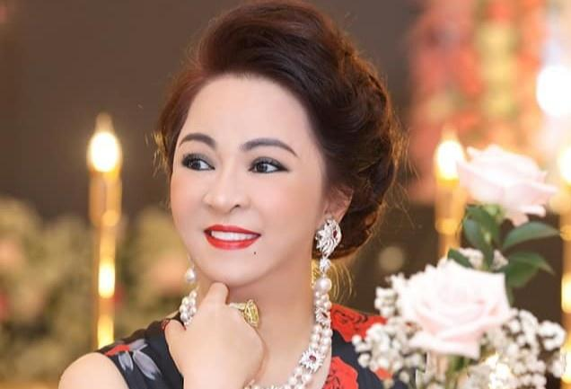 Bà Phương Hằng bị đào lại loạt ảnh quá khứ thời trẻ chân phương-9