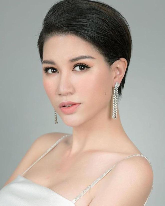 Trang Trần cưỡi xế hộp thăm nhà nữ đại gia sinh năm 1971-10