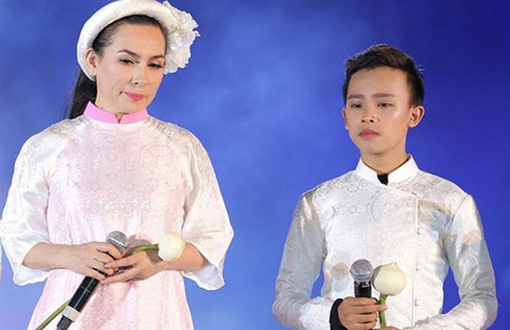 Phi Nhung nhập viện 1 tháng, Hồ Văn Cường mất tích bí ẩn?-1