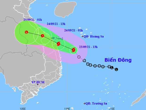 Bão số 6 di chuyển nhanh, các tỉnh miền Trung mưa rất to-1