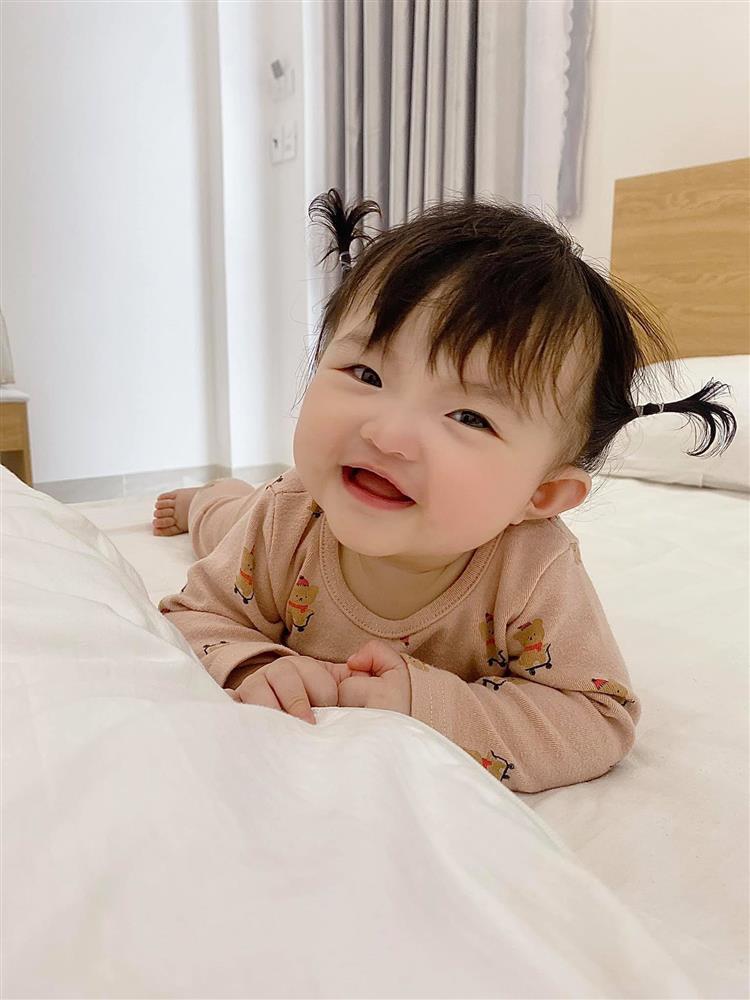 Ông Cao Thắng rời hội chỉ follow mình em, cô gái thứ 2 là ai?-8