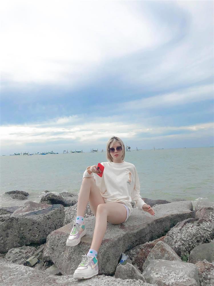 Cô gái bóc đời tư zơ záy cựu sao U21: Mặt xinh, body nóng bỏng-6