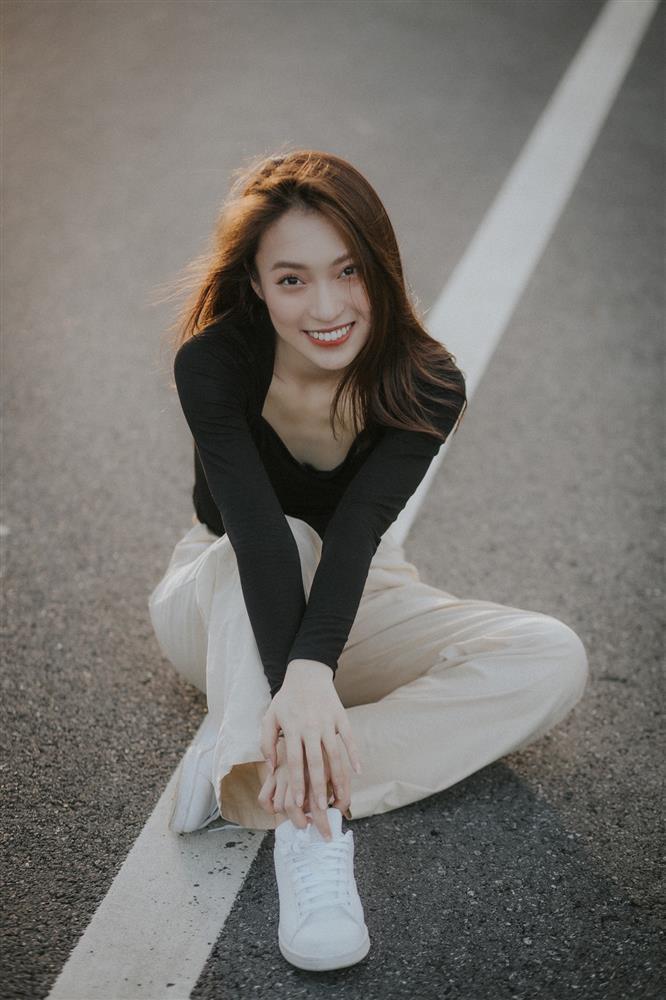 Xôn xao hot girl 7 thứ tiếng thay MC Diệp Chi dẫn Olympia-1