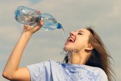 5 thói quen âm thầm tàn phá sức khỏe nhiều người chưa nhận ra