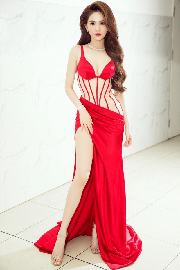 Nghịch lý mỹ nhân Việt: Mặc váy xẻ cao vẫn phải che đậy cho đỡ lộ hàng?-1