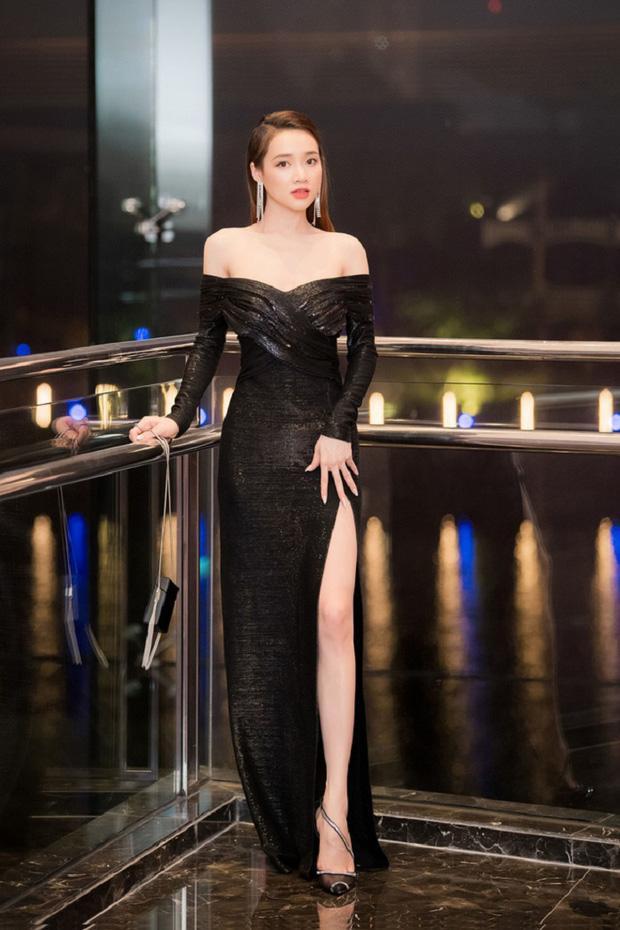 Nghịch lý mỹ nhân Việt: Mặc váy xẻ cao vẫn phải che đậy cho đỡ lộ hàng?-3