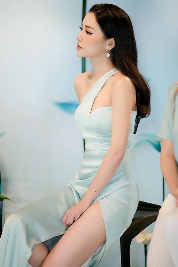 Nghịch lý mỹ nhân Việt: Mặc váy xẻ cao vẫn phải che đậy cho đỡ lộ hàng?-8