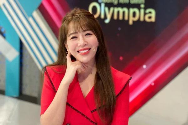 MC Diệp Chi tiết lộ lý do im lặng giữa tin Khánh Vy làm MC mới Olympia-1