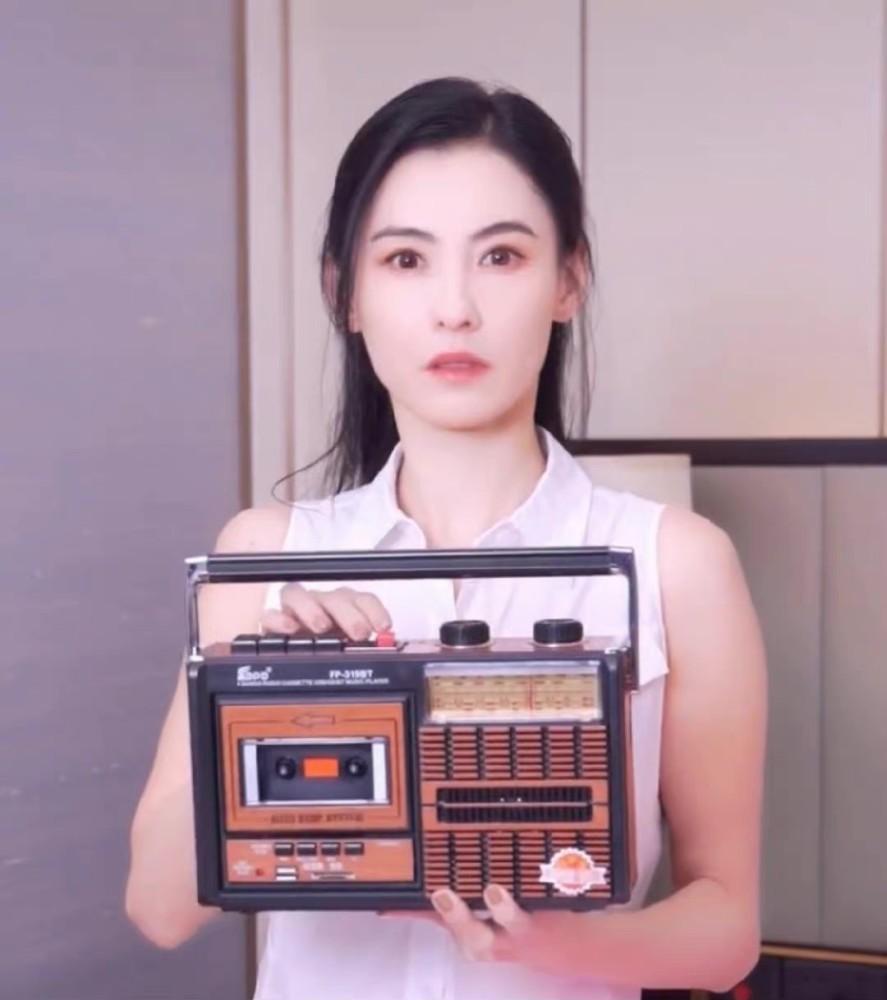 Trương Bá Chi đẹp ngỡ ngàng tuổi 41, Tạ Đình Phong có tiếc?-4