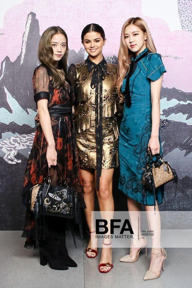 Loạt outfit BLACKPINK tham dự Fashion Week: Ai đỉnh nhất?-7