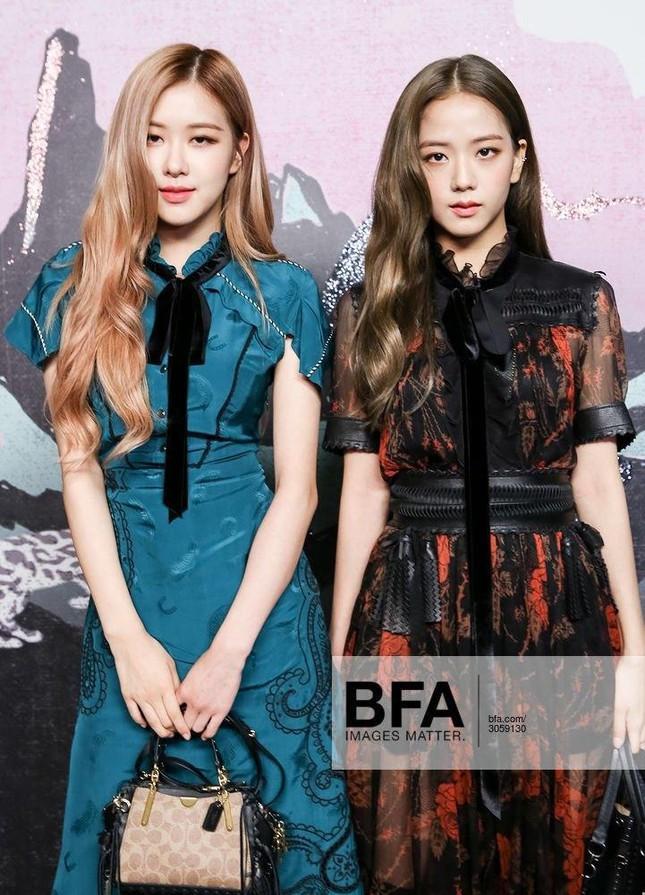 Loạt outfit BLACKPINK tham dự Fashion Week: Ai đỉnh nhất?-5