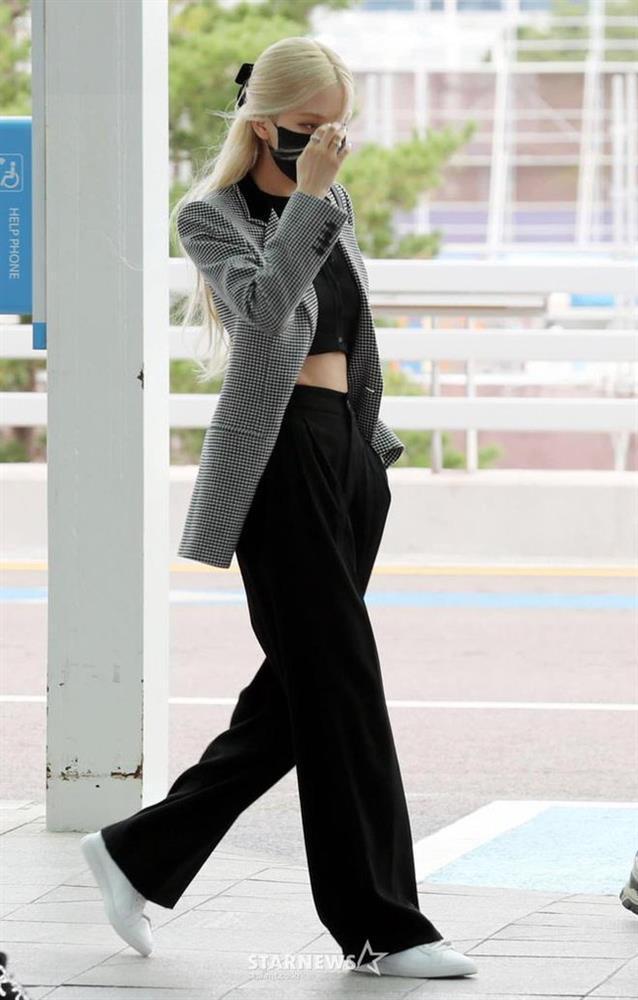 Loạt outfit BLACKPINK tham dự Fashion Week: Ai đỉnh nhất?-1
