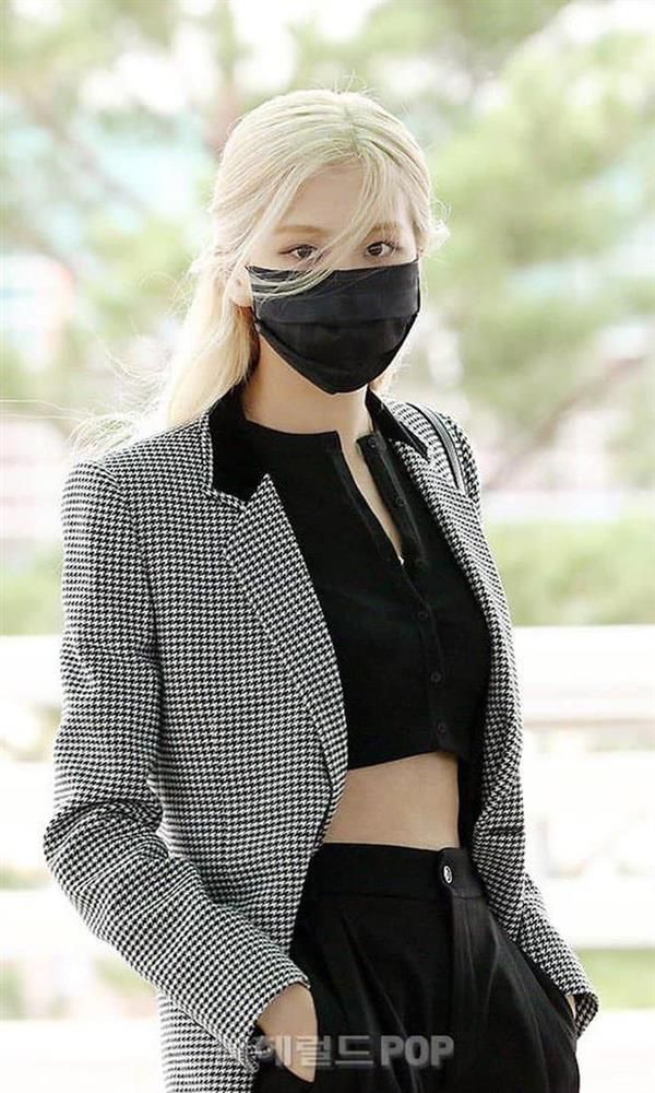Loạt outfit BLACKPINK tham dự Fashion Week: Ai đỉnh nhất?-2