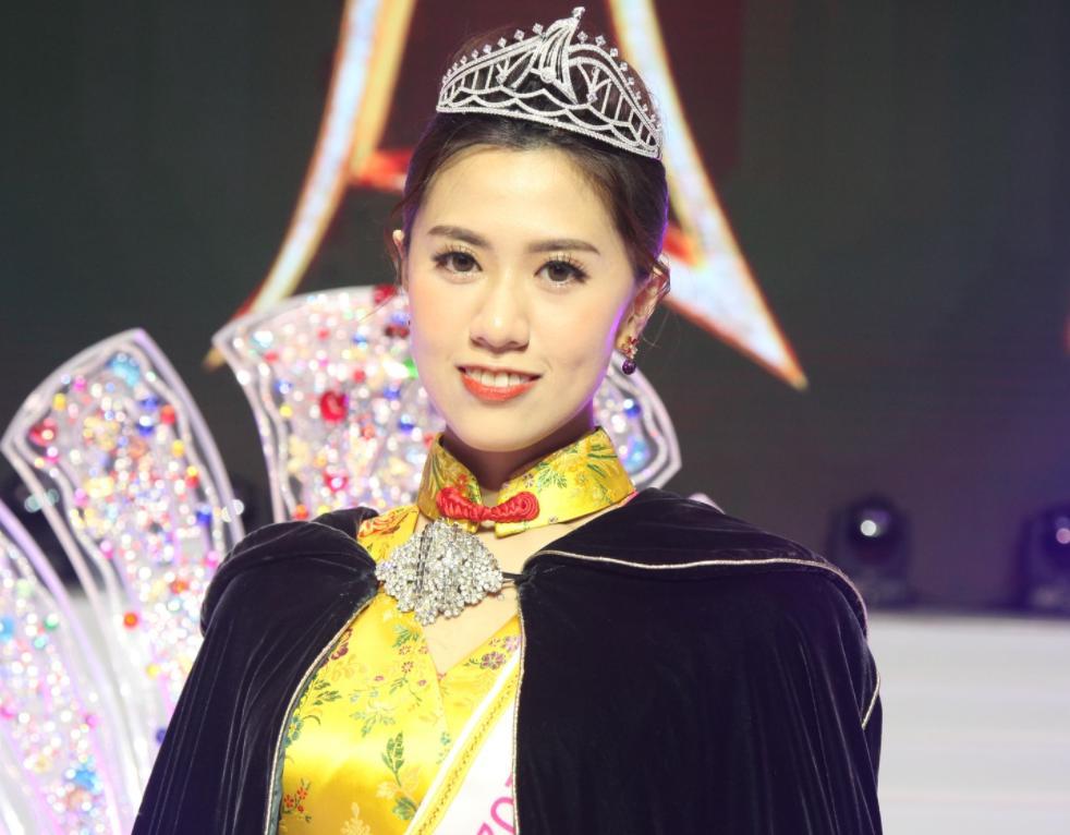 Thí sinh xấu béo chiếm spotlight của tân Hoa hậu Châu Á 2021-3