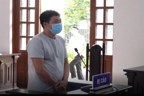 Lĩnh án 30 tháng tù vì làm lây lan dịch bệnh COVID-19-1