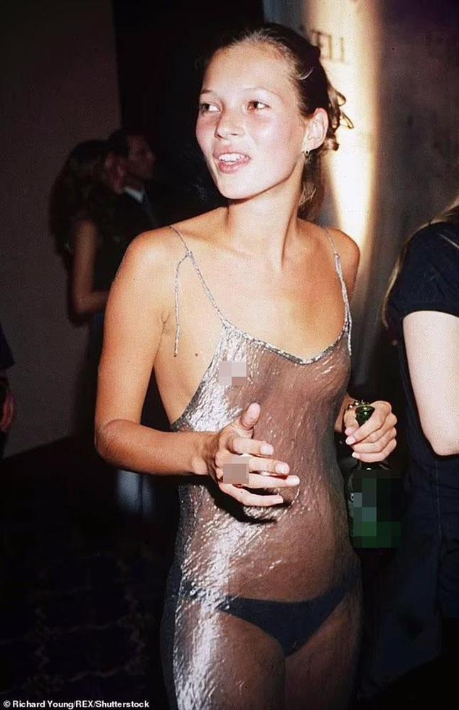 Váy khỏa thân được sao quốc tế chuộng hậu giãn cách-6