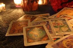 Bói bài Tarot tuần từ 27/9 đến 3/10/2021: Lắm mối tối nằm không