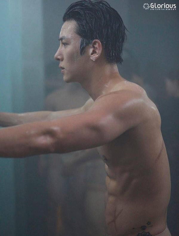 2 phim truyền hình Hàn no gạch đá vì để nam chính nude 100%-2