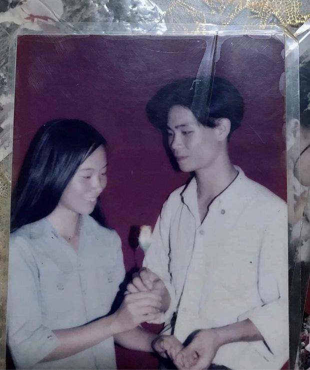 Con gái khoe ảnh bố 20 năm trước điển trai, tán gái như thần-1