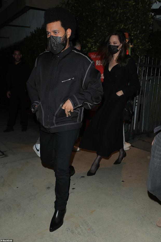 Angelina Jolie bị tóm gọn khoảnh khắc hẹn hò The Weeknd-3