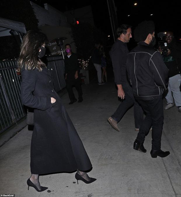 Angelina Jolie bị tóm gọn khoảnh khắc hẹn hò The Weeknd-4