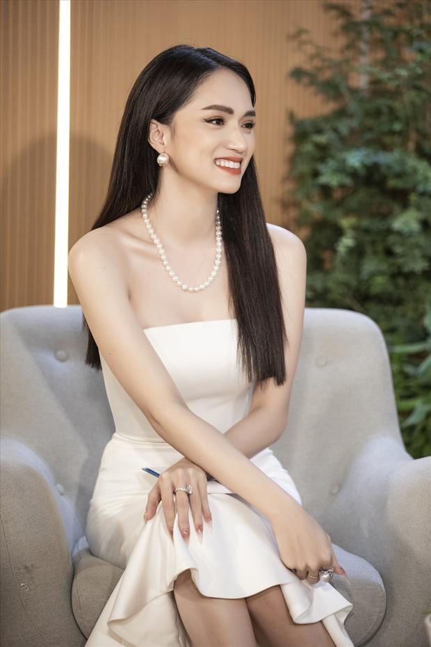 Hương Giang đổ bộ sự kiện với váy xuyên thấu hệt Kendall Jenner?-4