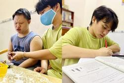 2 anh em mồ côi vì Covid-19: 'Em quyết tâm đạt HCV Olympic Toán'