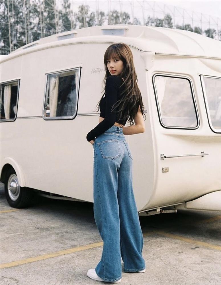 Chân ái giúp Lisa hack dáng như người mẫu!-5