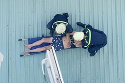 TP.HCM: Người đàn ông rơi từ lầu 4 xuống mái tôn nhà dân