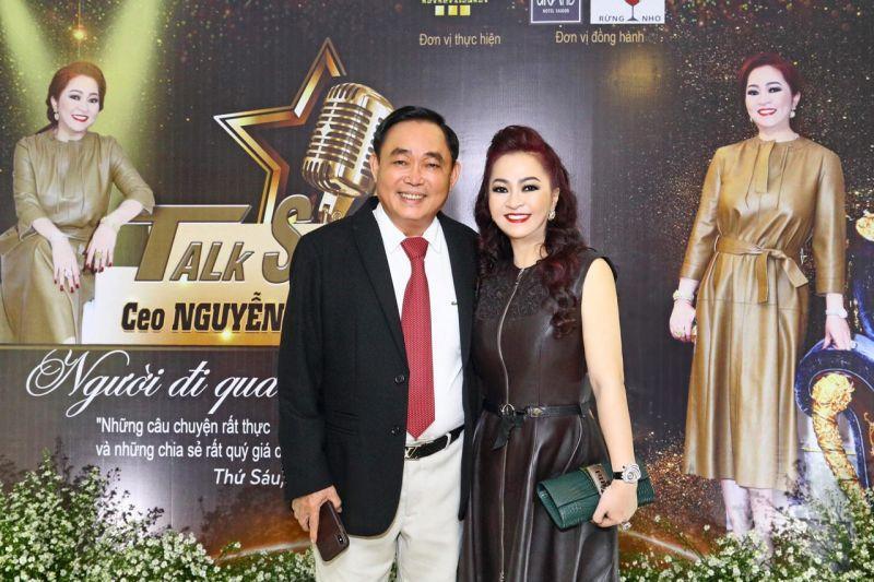 CEO Bình Dương khoe chồng cưng chiều như bà hoàng-2