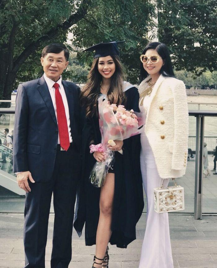 Bất ngờ xưng hô mẹ chồng Hà Tăng dành cho ông xã tỷ phú-5