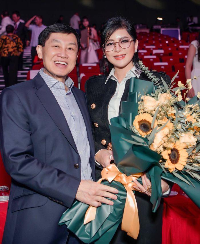 Bất ngờ xưng hô mẹ chồng Hà Tăng dành cho ông xã tỷ phú-2