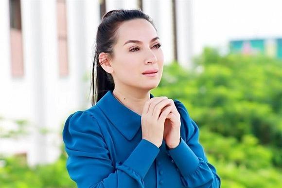 Hồ Văn Cường tái xuất, thay ảnh để tang mẹ nuôi Phi Nhung-1