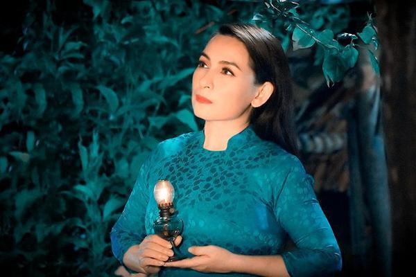 Hồ Văn Cường tái xuất, thay ảnh để tang mẹ nuôi Phi Nhung