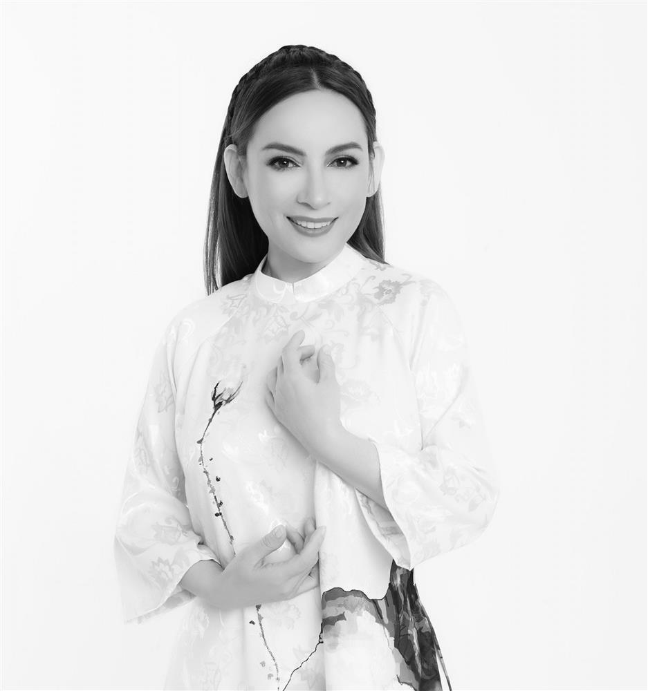 Xúc động loạt ảnh Phi Nhung bên nghệ sĩ Chí Tài-1