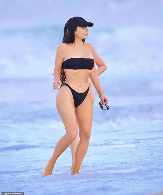Kim siêu vòng 3 diện bikini khoe body phồn thực và mặt mộc quá đỉnh-1