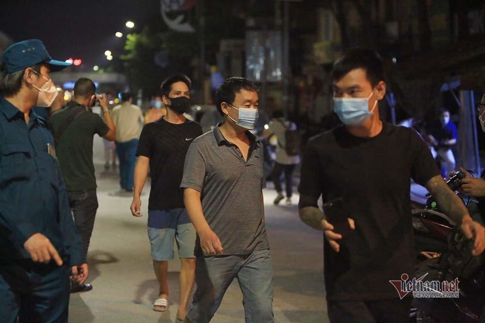 Dỡ phong toả tại ổ dịch lớn nhất Hà Nội-6
