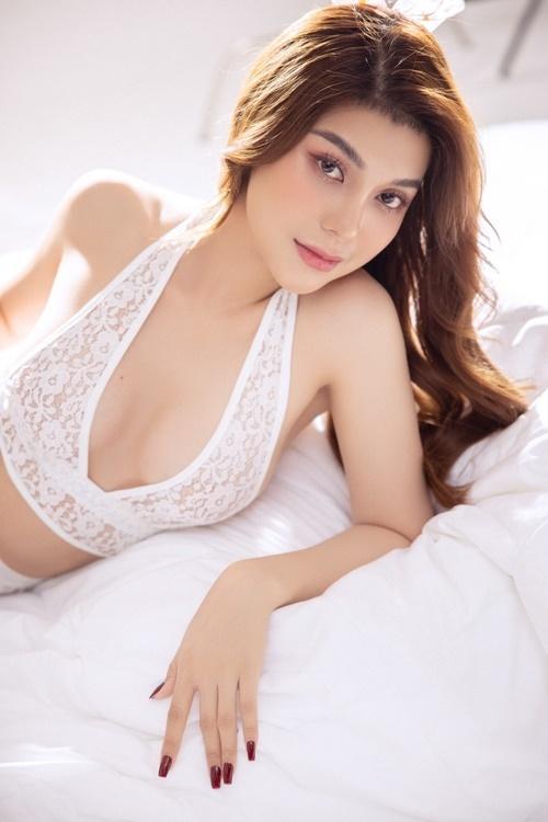 Lily Chen chia tay bạn trai đại gia