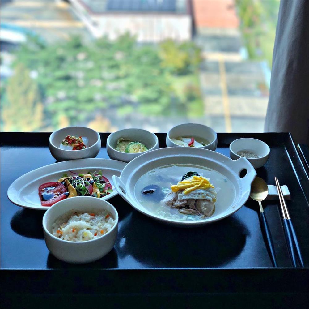 Hot girl khoe bữa ăn ở cữ, nhìn view nhà mê chữ ê kéo dài-4