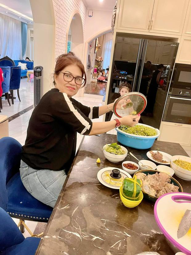 Dàn KOL, hội nhà giàu làm gì trong ngày đầu Sài Gòn comeback?-9