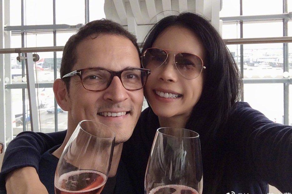 Hôn nhân 10 năm không con cái của Mạc Văn Úy và chồng Tây-3