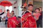Clip: Cô dâu 'hạnh phúc nhất quả đất', 10 anh em trai bế lên xe hoa