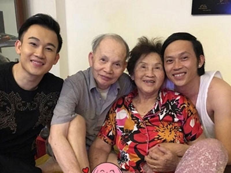 Hoài Linh ra mặt chịu tang bố sau 4 tháng nằm yên-5