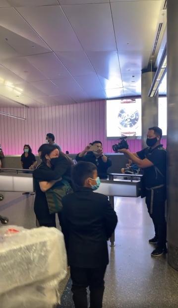 Việt Hương nhân đôi nỗi đau khi đưa Phi Nhung về Mỹ-3