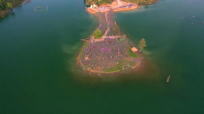 Đảo hoa Kon Trang Long Loi - Có nơi nào đẹp hơn?-3
