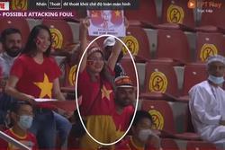 CĐV ngồi khán đài cổ vũ Việt Nam nhưng buồn thiu khi Oman bị 'xé lưới'