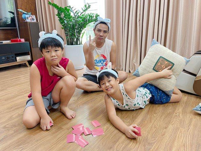 MC Hoàng Linh công khai danh tính 2 đại gia chống lưng-9