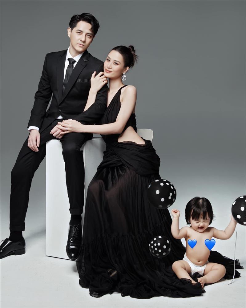 Bộ ảnh gia đình Đông Nhi bị soi đạo ý tưởng nước ngoài-4
